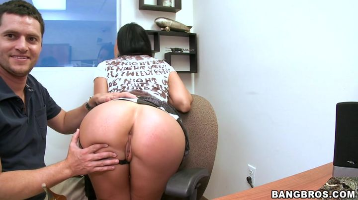 Fascinating beauty Larissa Dee sitting on a shlong then gets fucked