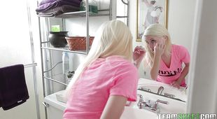 Captivating blonde girl Piper Perri is one who knows how to give a perfect blowjob